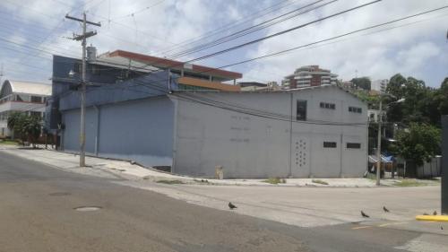 Comercial building in Roatan